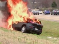 Auto vyhorelo do tla.
