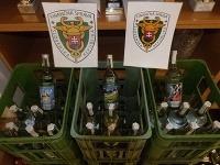 Nitrianski colníci v spolupráci s colníkmi KÚ FS zaistili nelegálne cigarety a alkohol.