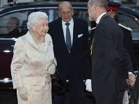 Kráľovná Alžbeta II. so svojím manželom