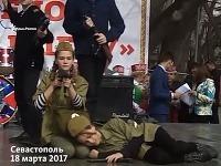 V Sevastopole oslavovali aj takto.