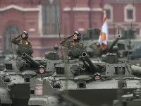 Na Červenom námestí začala vojenská prehliadka ku Dňu víťazstva. (ilustračné foto)