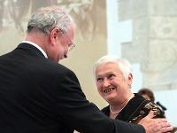 Božena Fuková dostala vyznamenanie aj od exprezidenta Ivana Gašparoviča.