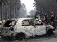 Niekoľko obetí uviazlo kvôli plameňom vo svojich autách.
