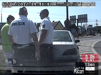Policajti zastavili vodiča, išiel príliš pomaly