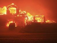 Rozsiahle požiare v Kalifornii