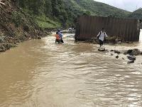 Vietnam zasiahli smrtiace záplavy
