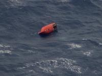 Prevrátený záchranný čln
