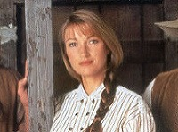 Jane Seymour ako Doktorka Quinnová.