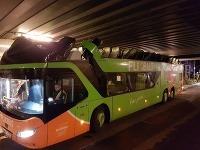 Home-made autobus-kabriolet.