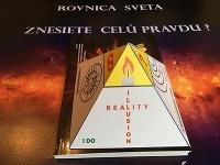 Slovenský spisovateľ je prvý na svete, ktorý vydal trojdimenzionálnu knihu