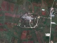 Americké ministerstvo obrany zverejnilo satelitné snímky Sýrie pred a po spojeneckom útoku.