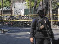 Samovražedné útoky ochromili druhé najväčšie mesto Indonézie.