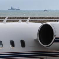 Lode pátrajú po zrútenom lietadle