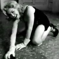 Madonna v úlohe submisívnej žienky domácej