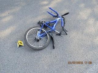 Pri nehode sa vážne zranil 11-ročný cyklista
