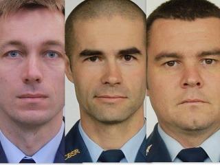 FOTO vojakov z havarovaného