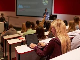 Bratislavská škola čelí závažnej