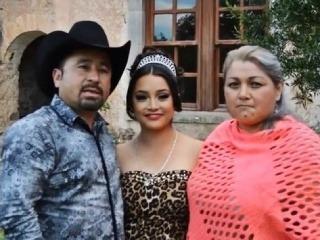 Crescencio Ibarra s manželkou a dcérou