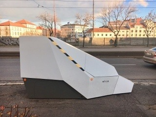 Mobilný policajný radar v