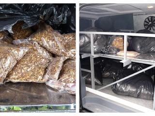 Colníci pri obci Zeleneč zadržali tabak v pohrebnom vozidle