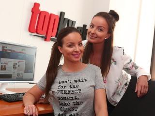 Veronika a Daniela Nízlové z dua TWiiNS