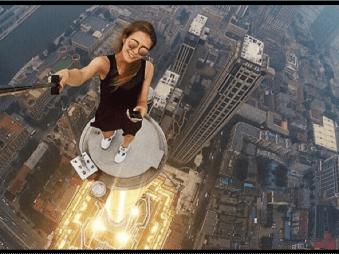 Táto Ruska robí tie najšialenejšie a najkrajšie selfie fotky. Riskuje pri tom svoj život!