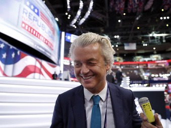 Najpopulárnejšia strana v Holandsku ohlásila radikálny program: Zákaz Koránu a mešít!