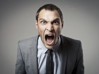 Zasadol si na vás šéf? Toto sú najčastejšie príznaky bossingu