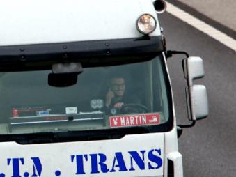 Slováci reagujú na odhalenie nepozorných vodičov: Kamionistov treba trestať nekompromisne