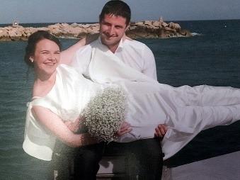Šťastná novomanželka (26) zašla počas dovolenky do obchodu: Jej život sa obrátil naruby
