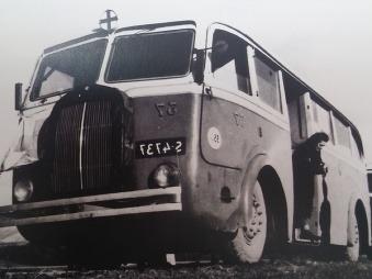 Autobusy jazdia po Bratislave už 90 rokov: Historické FOTO od najstaršej MHD až podnes