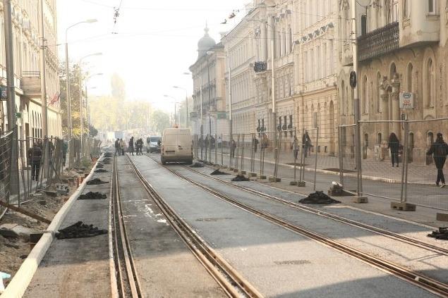 FOTOREPORTÁŽ Štúrova ulica v Bratislave pred dokončením ...