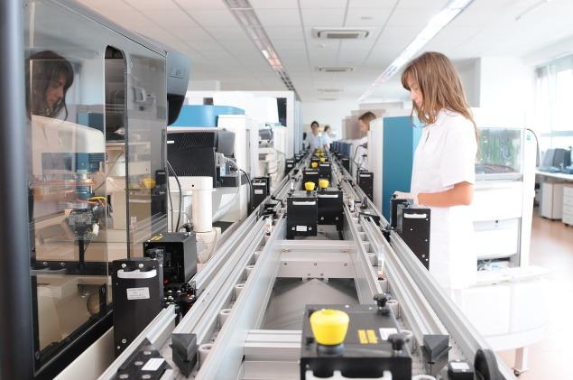 ea6143745 Z krvi zistia takmer všetko: Toto laboratórium nám robí skvelé meno ...