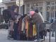 VIDEO Krásny čin Bratislavčanov: Ľudia, ktorí to potrebujú, sa môžu obliecť vďaka Vešiaku pomoci