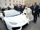 Pápež František vydražil svoj