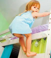 Pády s poschodovej postele sa môžu skončiť otrasom mozgu. 10.03