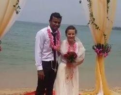 První podmořská svatba v Indii. Vydávala se Slovenka