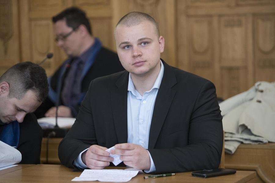 Mazurek pred súdom: Protest na čele s Kotlebom, kamarát Róm a poriadne mastná pokuta | Topky.sk