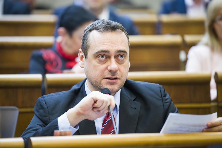Rajtár odmietol vypovedať v kauze svojho asistenta, žiada verejný proces | Topky.sk