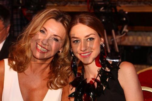 Matka s dcérou vyzerajú