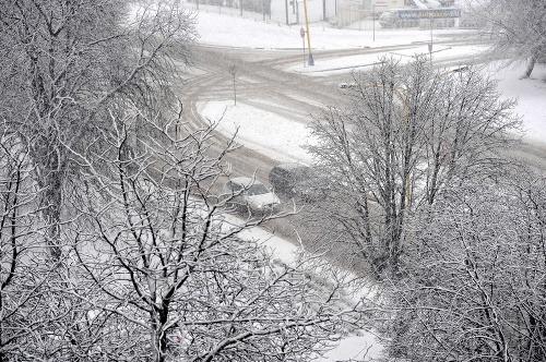 Sneh vystrieda poľadovica, do