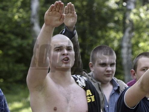 Гей-парад в Польше закидали яйцами. обсудить новость на форуме. Националис