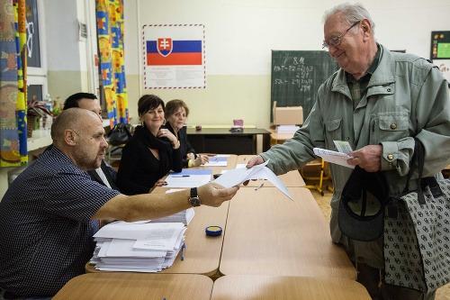 Prví voliči v bratislavskom