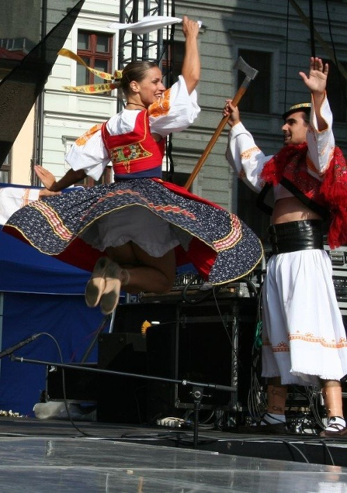 Čarovné spojenie folklóru a