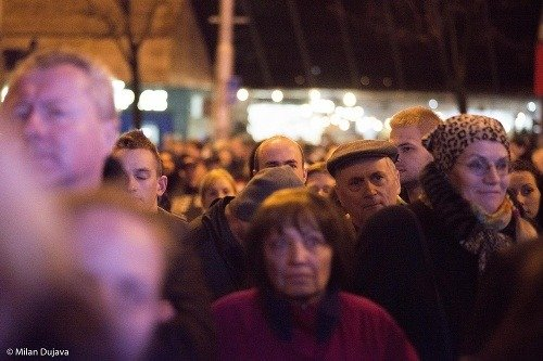 Česko-Slovensko v uliciach, tisíce