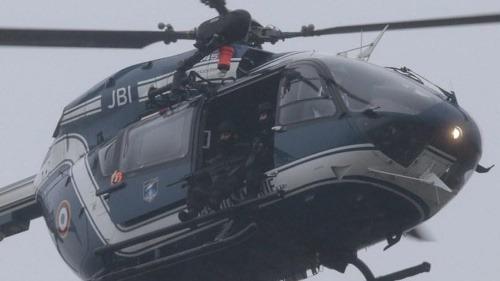 ONLINE Dramatický lov na teroristov: Začalo vyjednávanie, sú zabarikádovaní s rukojemníkmi! | Topky.sk