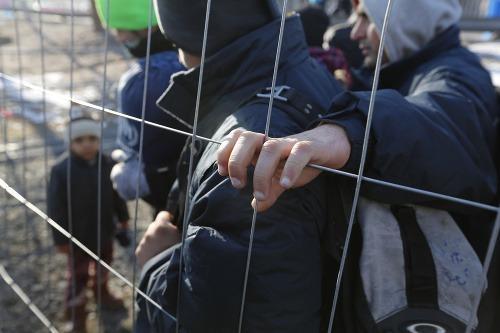 Merkelovej prerástla utečenecká kríza