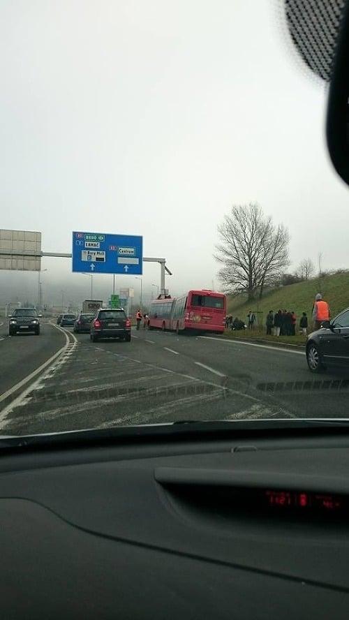 FOTO Vážna nehoda autobusu:
