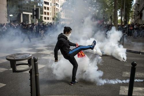 FOTO Paríž ochromili štrajky: