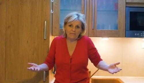Paní Zuzana baví internet. Její VIDEO o bio-eko-raw-vegan šílenství musíte vidět